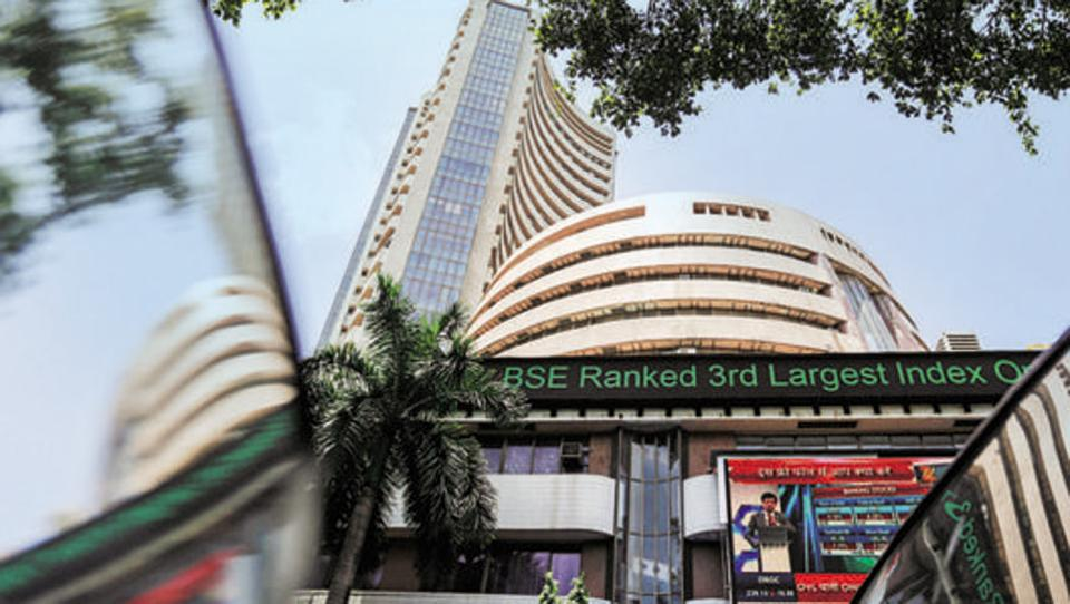 नयाँ आर्थिक वर्षको पहिलो दिन भारतीय शेयर बजारमा ४ प्रतिशत गिरावट