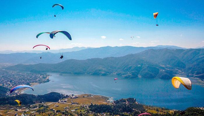 आन्तरिक पर्यटकका रोजाइमा 'प्याराग्लाइडिङ', दैनिक डेढ सय उडान